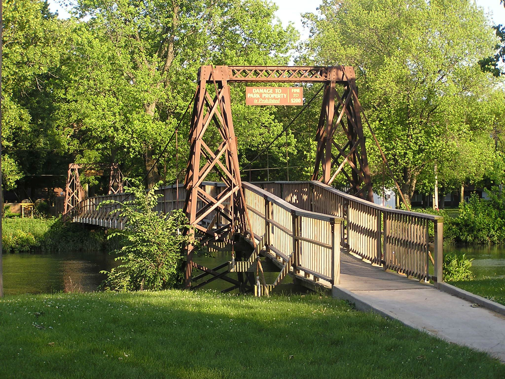Swinging Bridge Pontiac