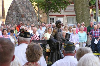A crowd gathers for the Lincoln statue dedication