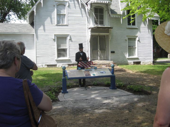 Abe Lincoln Speaks at Strevell House